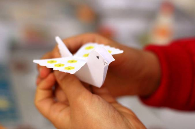 Free picture (origami bird) from https://torange.biz/bird-origami-51104